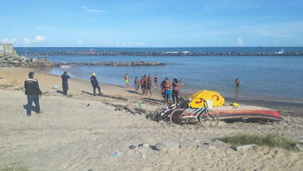 Banhistas estavam promovendo aglomeração na praia
