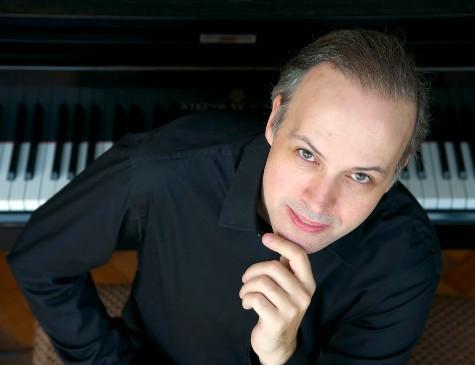 Após as palestras, o pianista Claudio Dauelsberg fará uma apresentação
