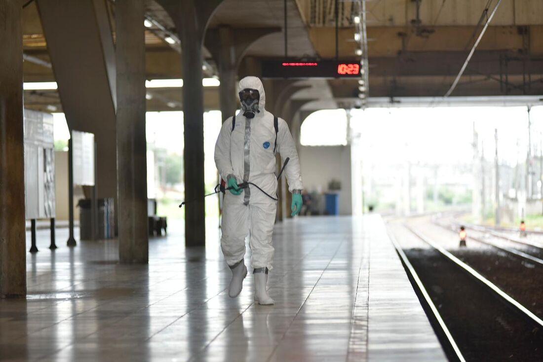 Ação de desinfecção do Comando Conjunto Nordeste nas estações de metrô