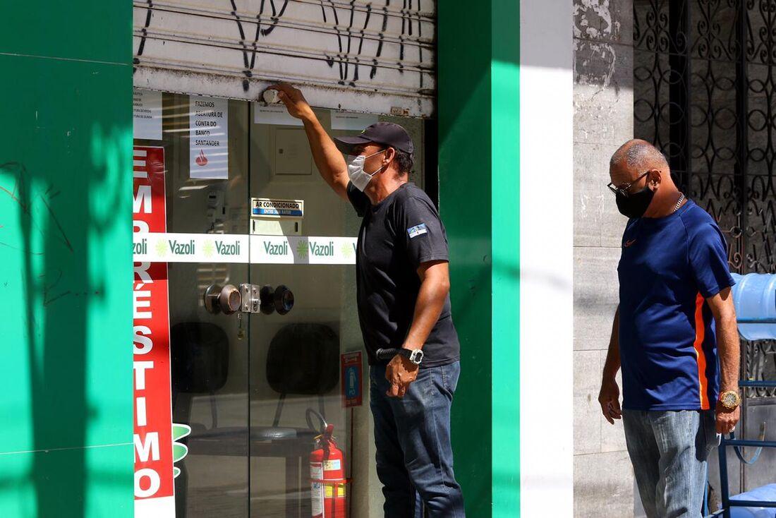 Governo de Pernambuco anuncia retomada gradual das atividades econômicas
