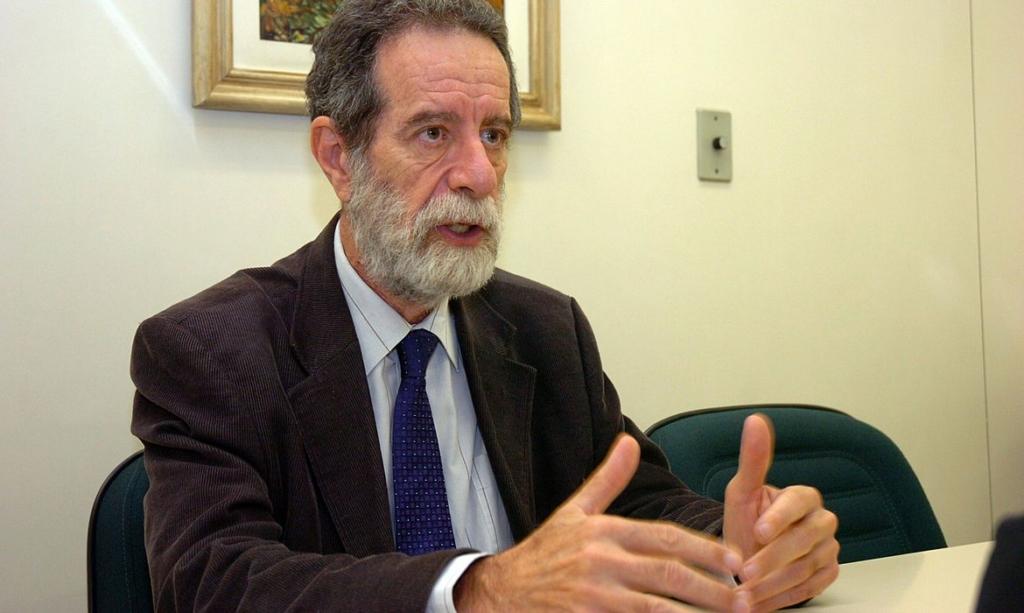 Infectologista Marcos Boulos