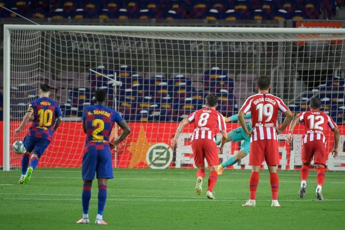 Messi fez gol de cavadinha no empate em 2x2 com o Atlético de Madrid