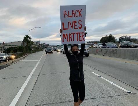 Foto compartilhada pela cantora Tinashe em apoio ao Black Live Matter