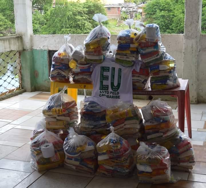 Doação de cestas básicas para pescadores