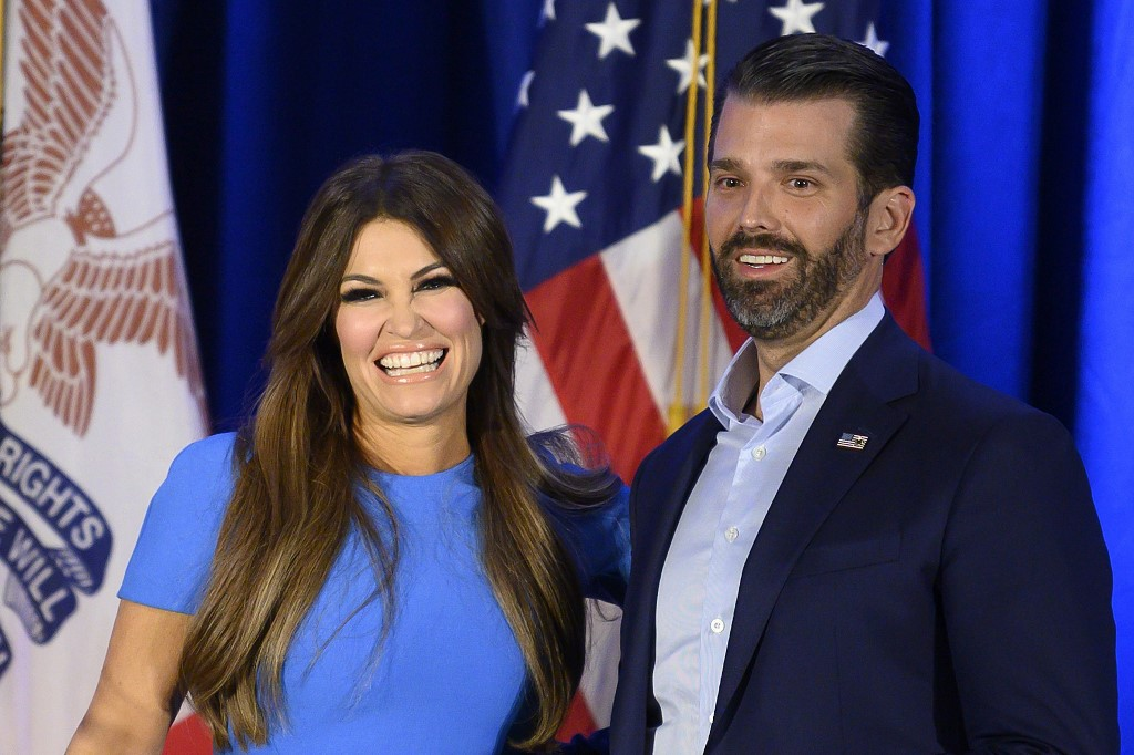 Kimberly Guilfoyle e Donald Trump Jr.