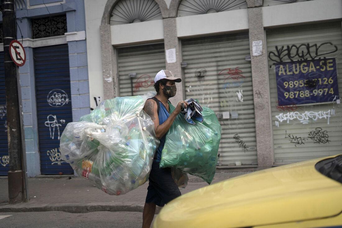 Catador de recicláveis no Rio de Janeiro