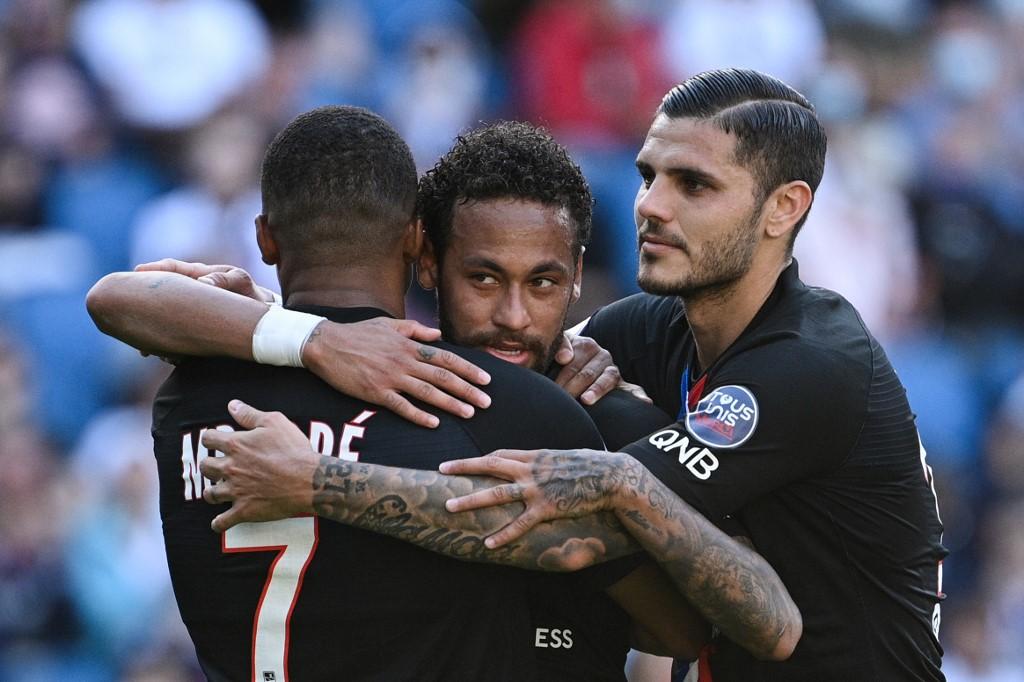Neymar comemora gol com Mbappé e Icardi