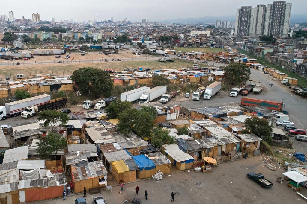 Covid-19 potencializa surgimento de favelas no Brasil