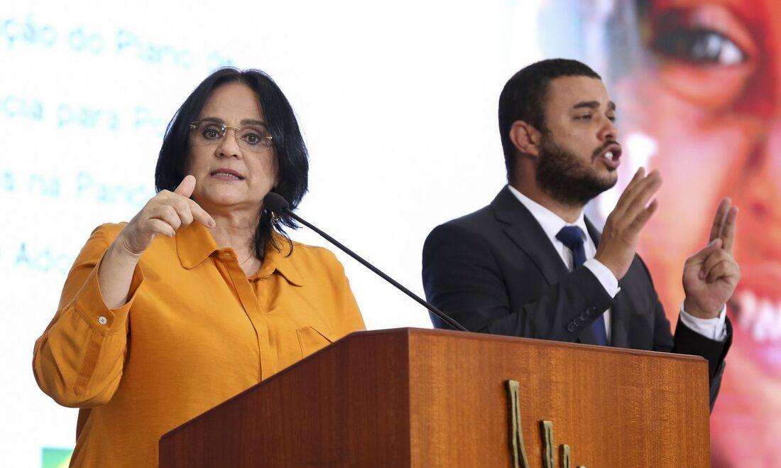 Damares Alves, ministra da Mulher, da Família e dos Direitos Humanos