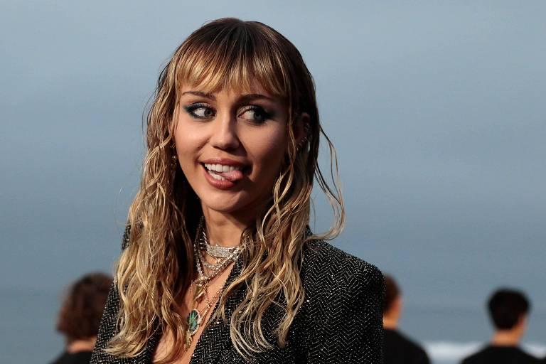 Miley Cyrus compra mansão ao lado de Kim Kardashian