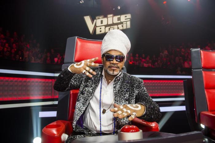 Carlinhos Brown como jurado do 'The Voice Brasil'