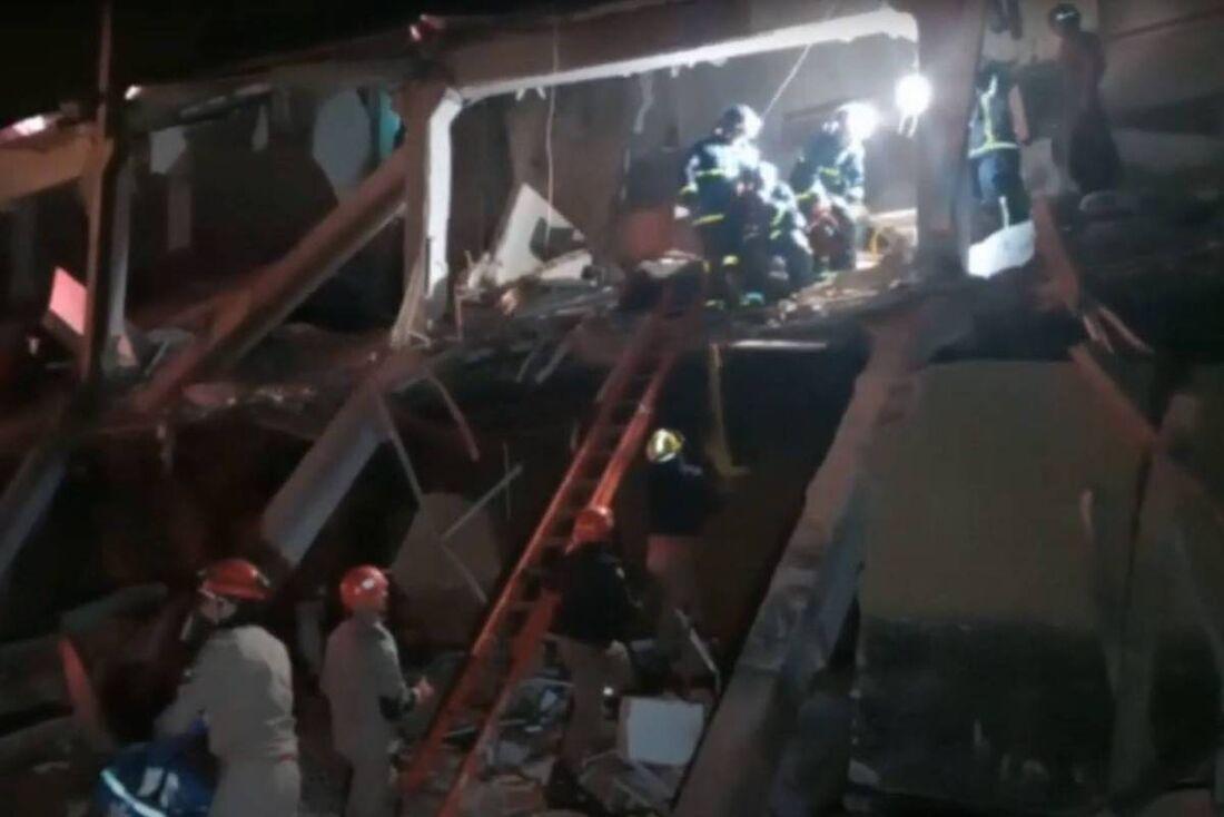 Desabamento de prédio comercial no Paraná deixou cinco feridos