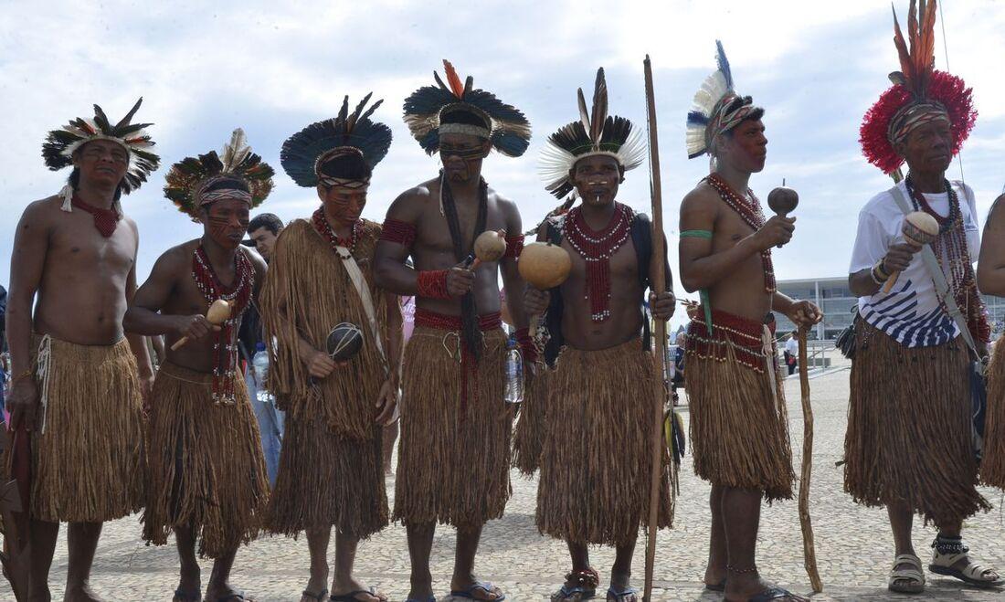 Sete indígenas