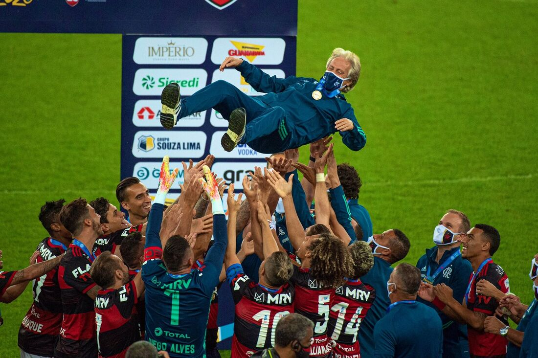 Time do Flamengo comemora título