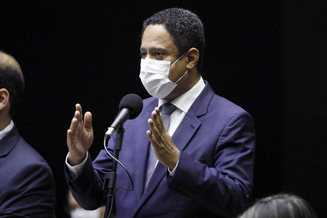 Deputado federal Orlando Silva (PCdoB-SP), relator da proposta de estender a desoneração da folha de pagamentos até 2021