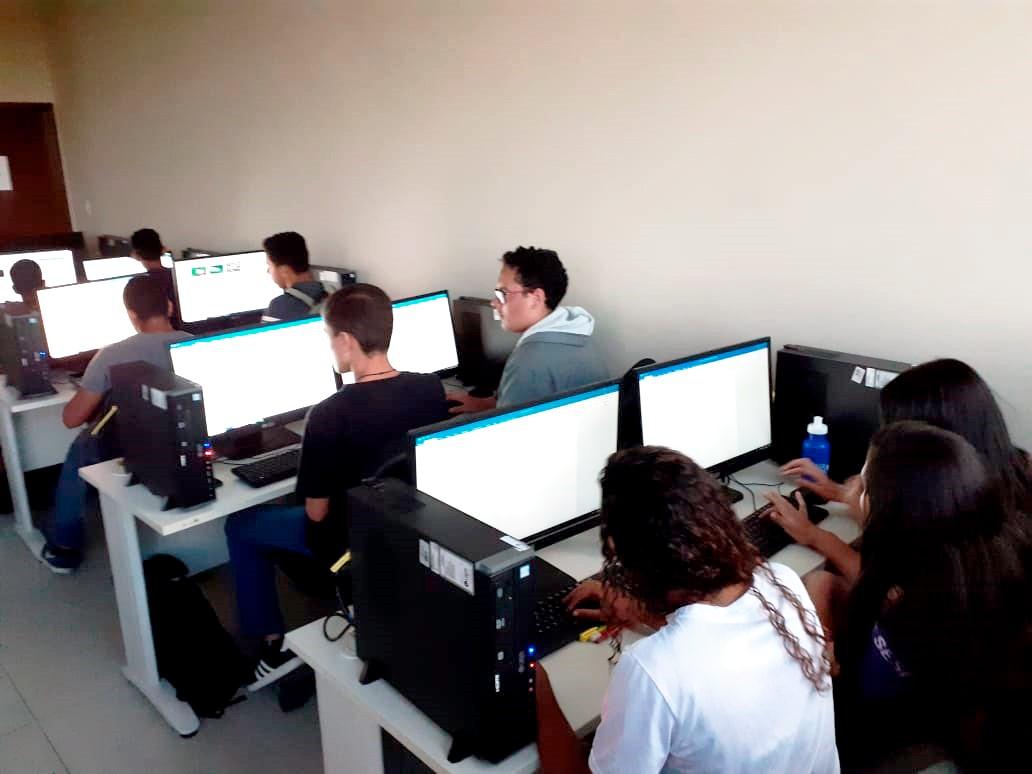 A EJA terá duração média de um ano e seis meses com  80% das aulas online e 20% de forma presencial