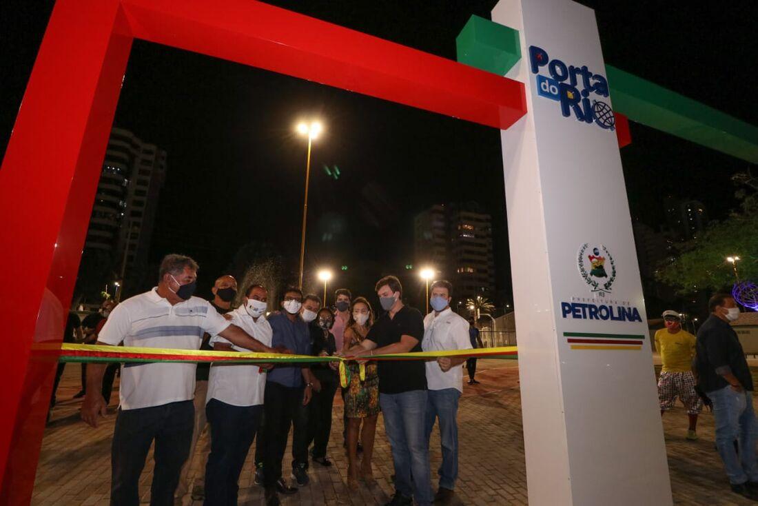 Miguel Coelho inaugura complexo de esporte e lazer inclusivo às margens do São Francisco