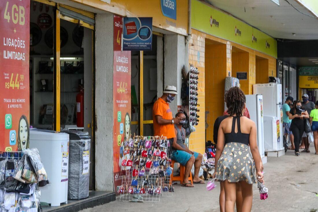 Autônomos ambulantes nas ruas de Jaboatão dos Guararapes