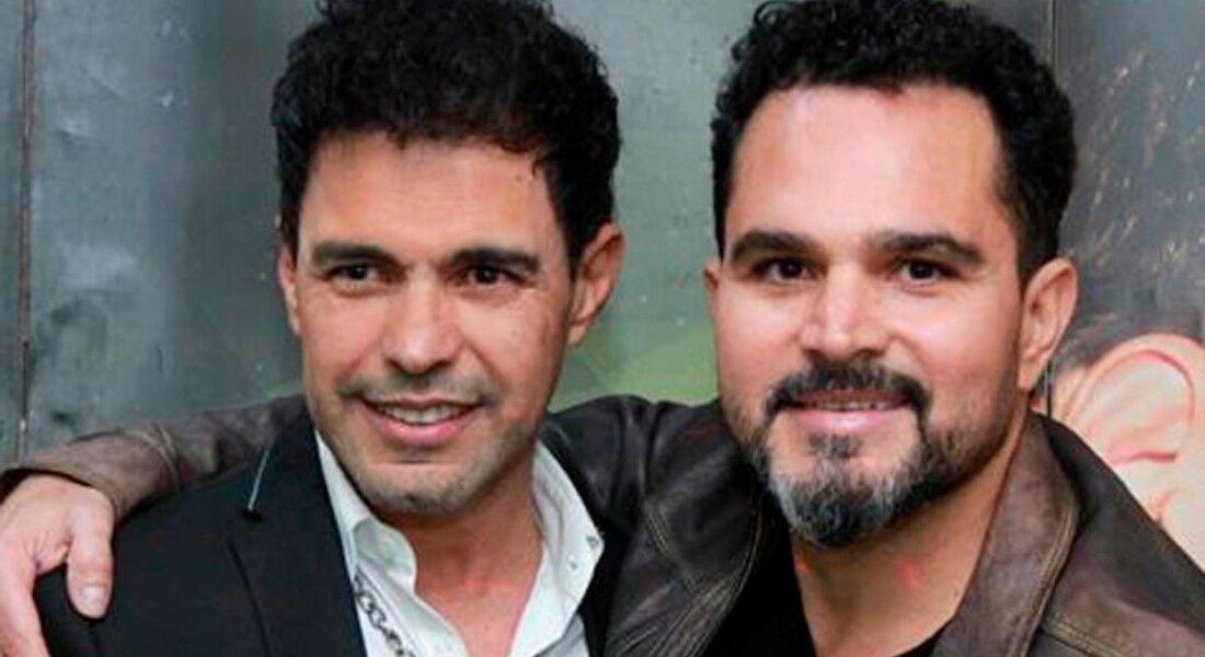 Zezé di Camargo e Luciano preparam live