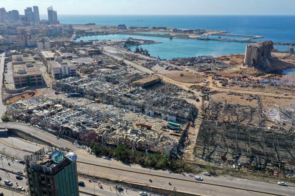 Região portuária de Beirute após explosões