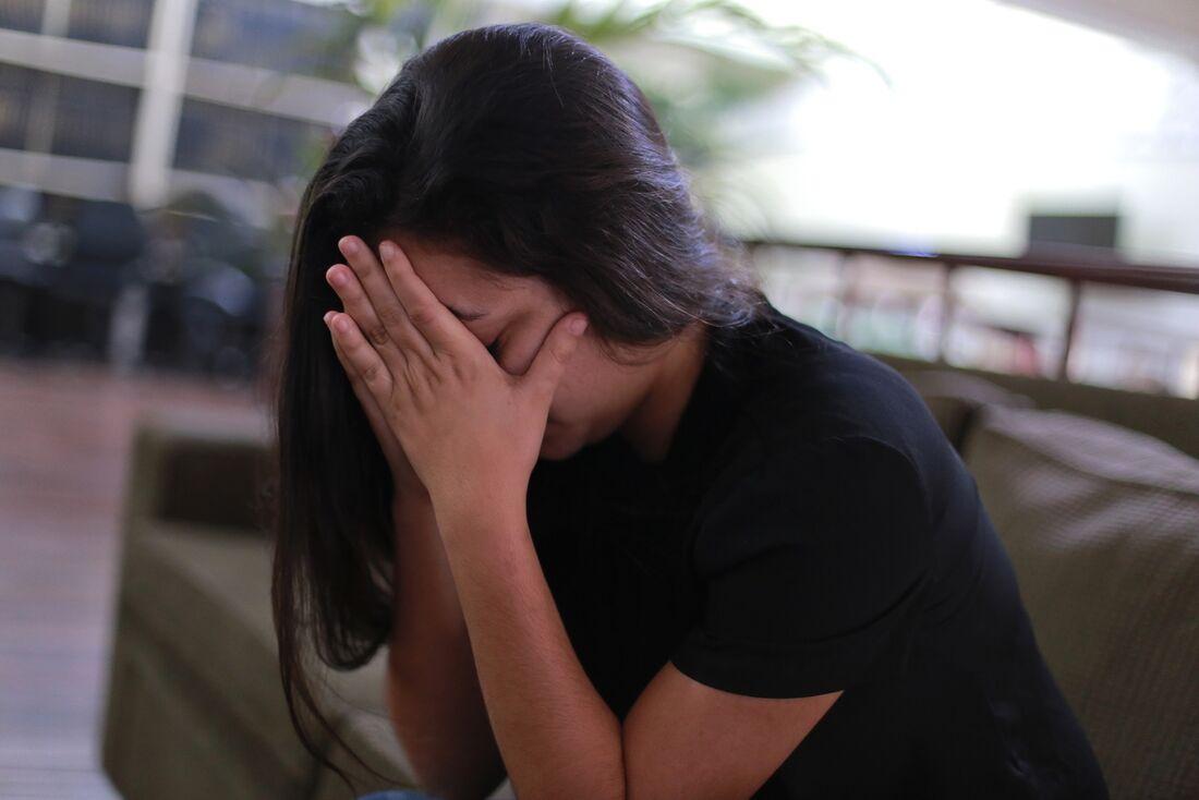 Se a dor de cabeça persistir, consulte um médico imediatamente