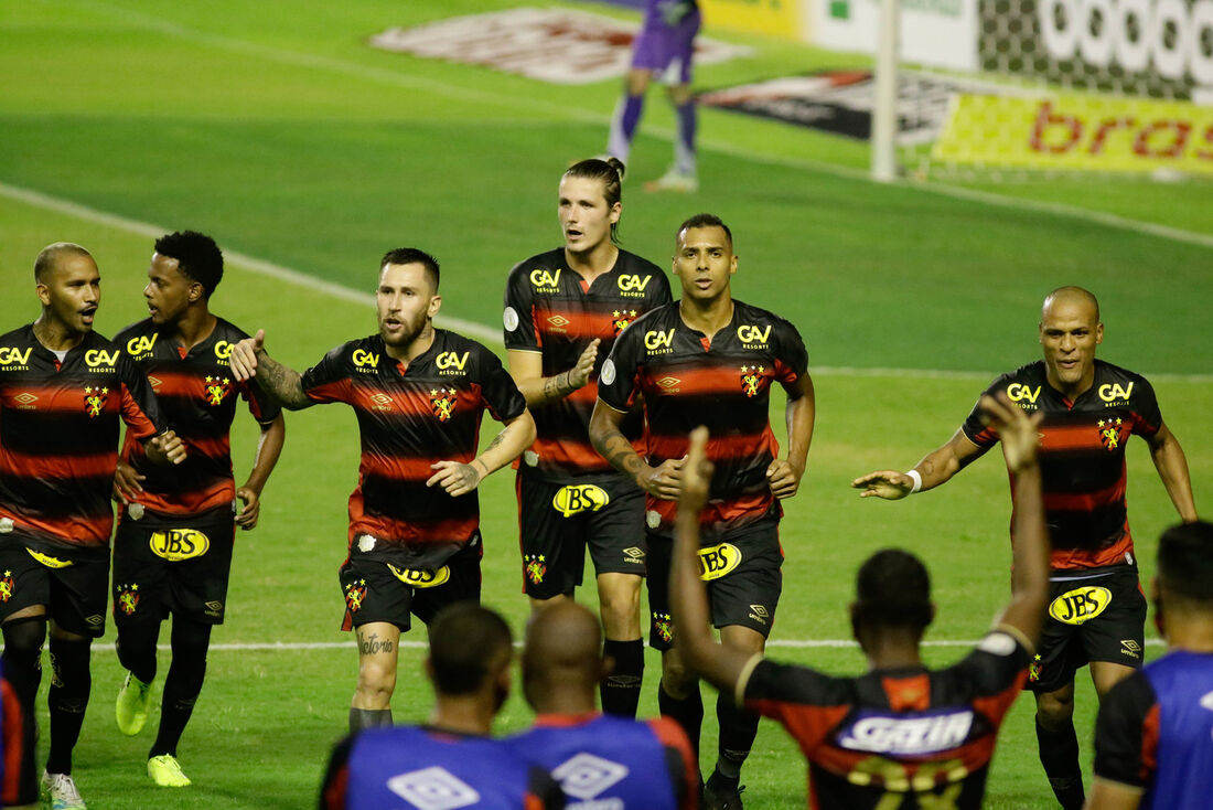 Leão busca segunda vitória no Brasileiro