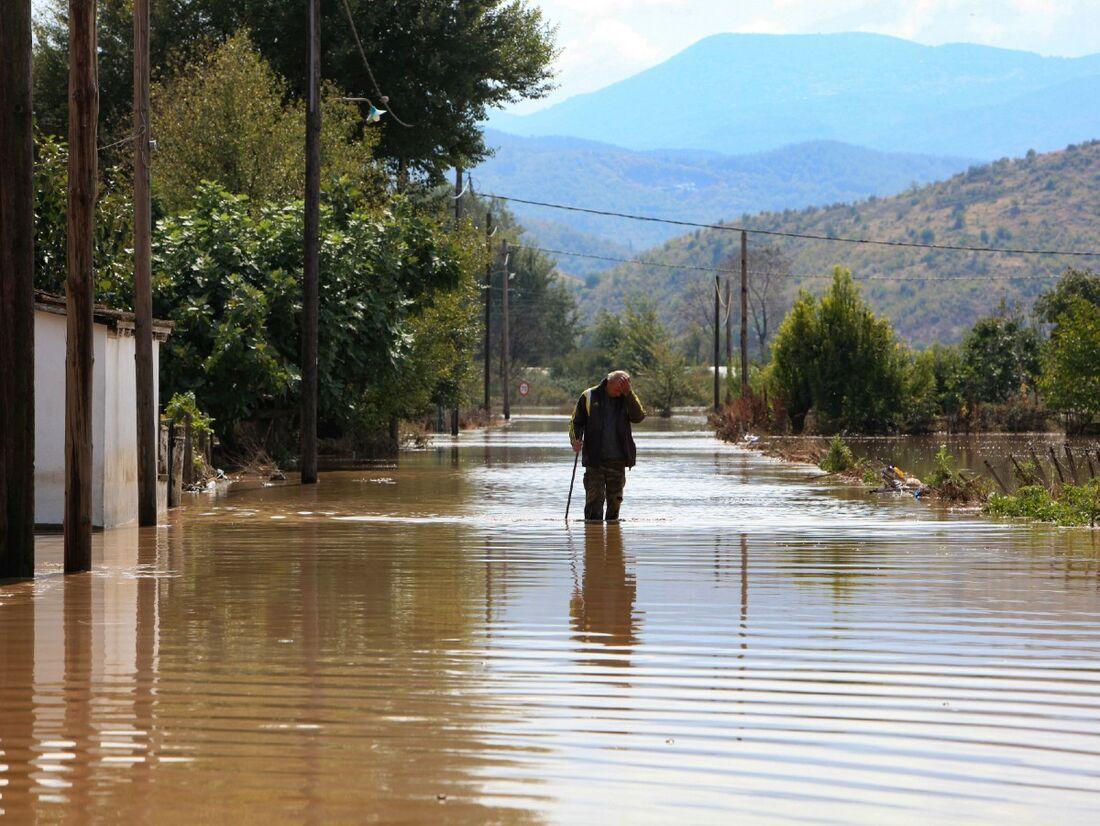 O nível da água subiu um metro, devido às fortes chuvas