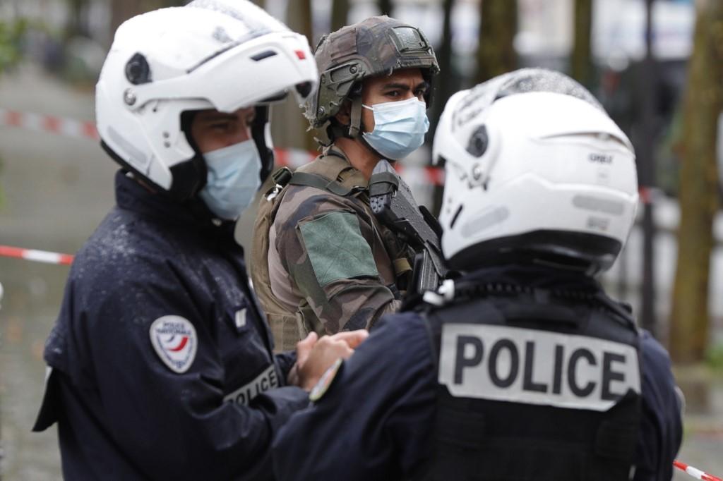 Polícia francesa isolou local do crime