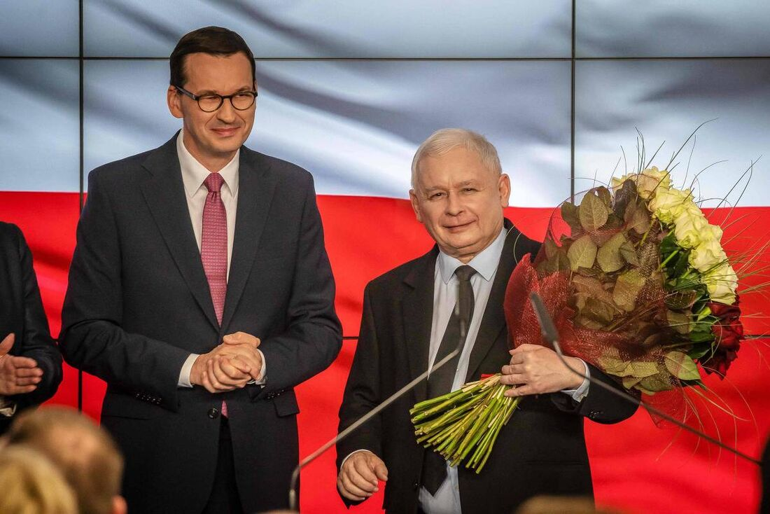 Mateusz Morawiecki, e o novo vice-primeiro-ministro, Jaroslaw Kaczynski