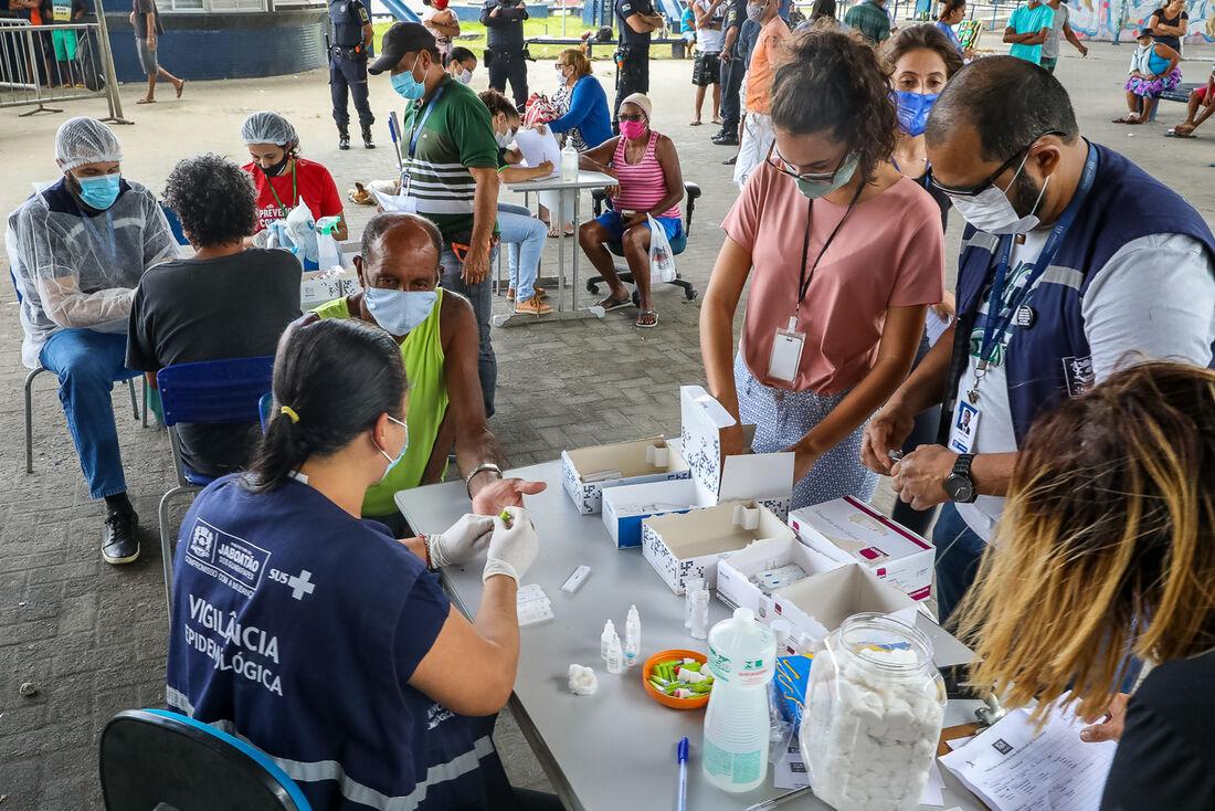 Testagem para detectar o novo coronavírus em Jaboatão dos Guararapes