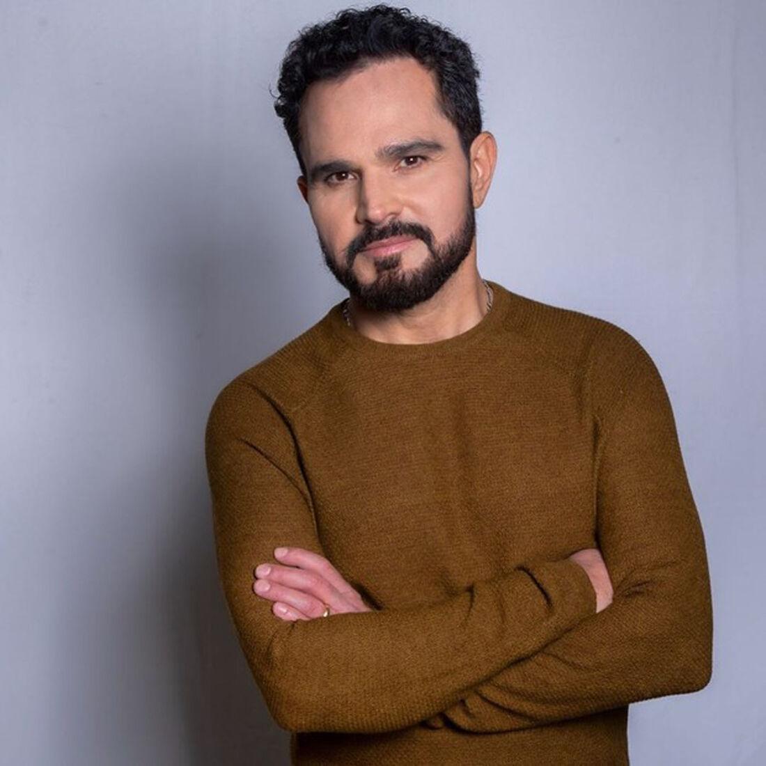 Cantor Luciano anuncia novo disco solo
