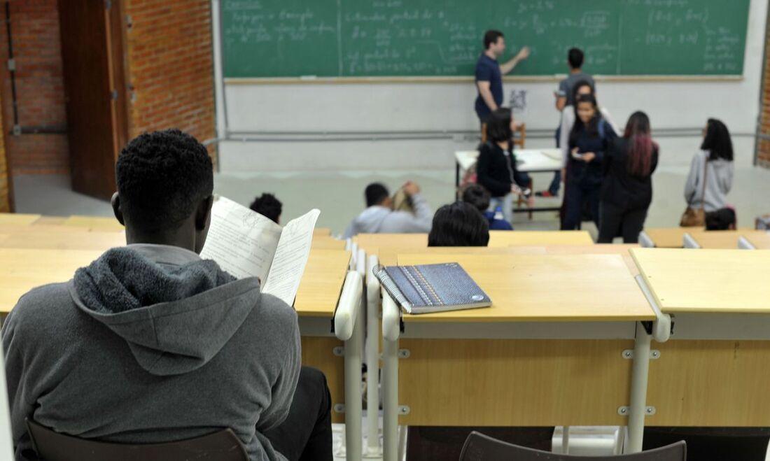Pode requerer a bolsa quem fez o Exame Nacional do Ensino Médio