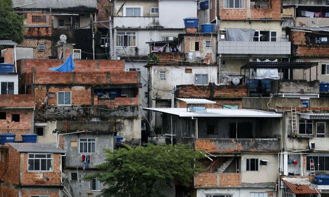 De acordo com a pesquisa, a situação é ainda mais delicada quando se mede o reflexo da pandemia na economia dessas famílias