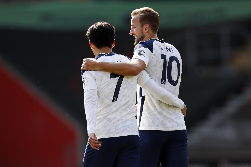 Son e Kane, destaques do Tottenham, que se prepara para enfrentar Newcastle