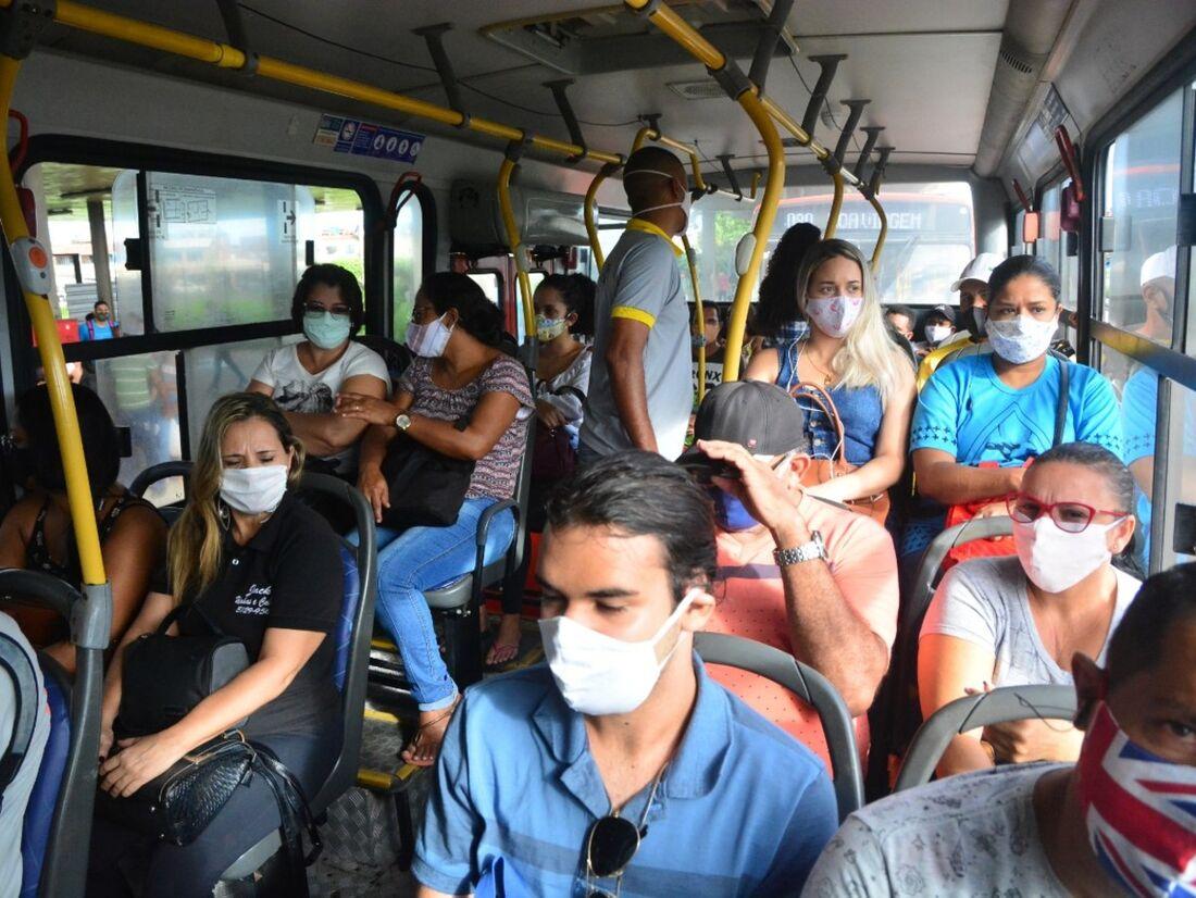 Segundo a Organização Mundial de Saúde (OMS), o Brasil vive situação delicada em relação à pandemia