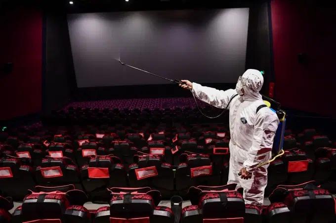 Confira os protocolos para a retomada dos cinemas e teatros no estado