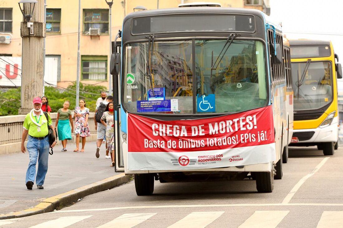 Protesto de rodoviários no Centro do Recife