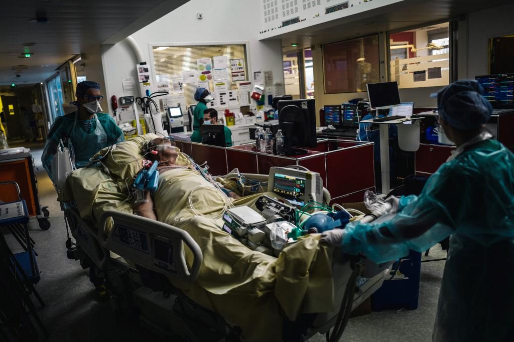 França vive segunda onda da pandemia de Covid