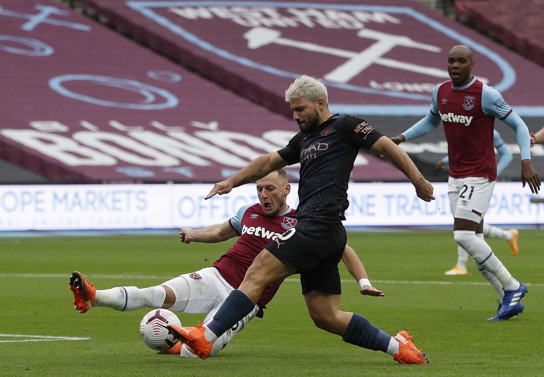 Agüero, atacante do Manchester City
