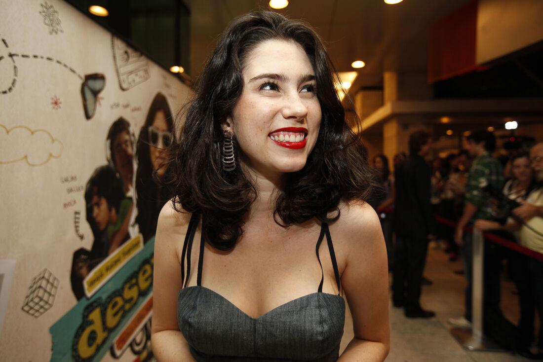 Olívia Torres afirma que vai processar agressor por ataque homofóbico