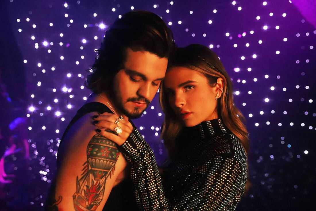 Luan Santana e a cantora Giulia Be
