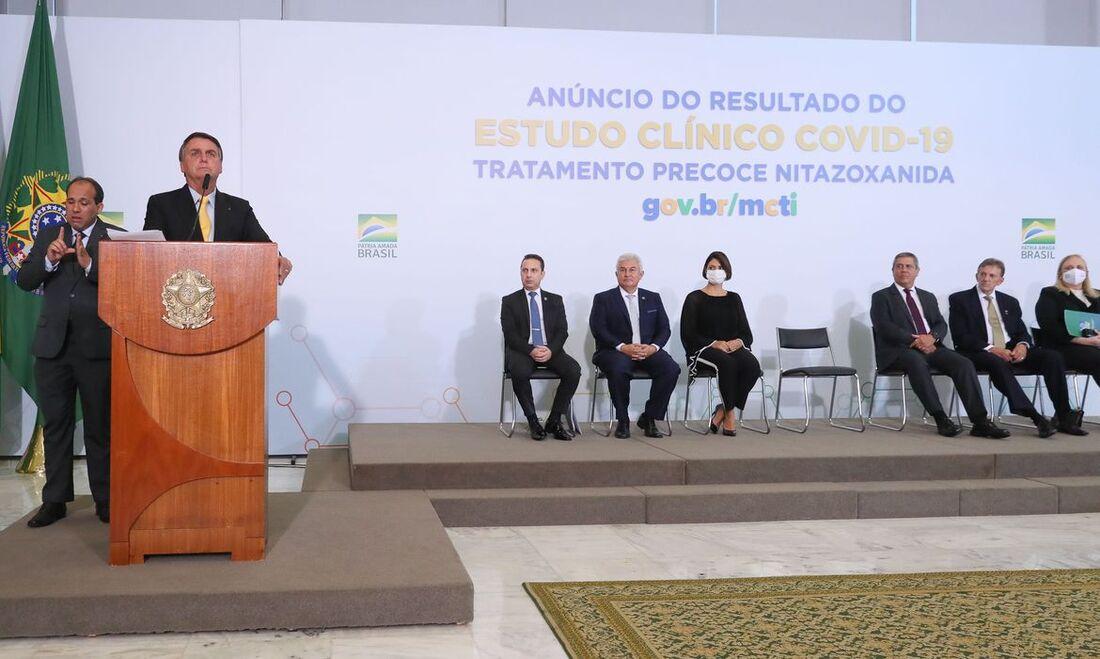 Cerimônia no Planalto para anúncio de resultado clínico