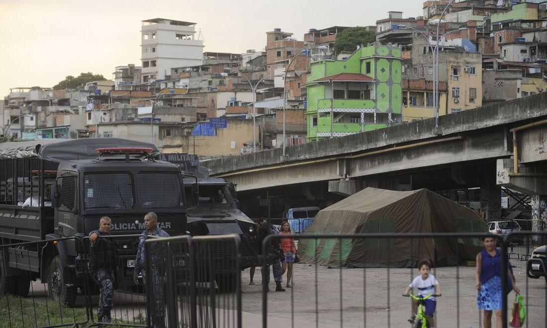 Operação policial no Complexo da Maré, RJ
