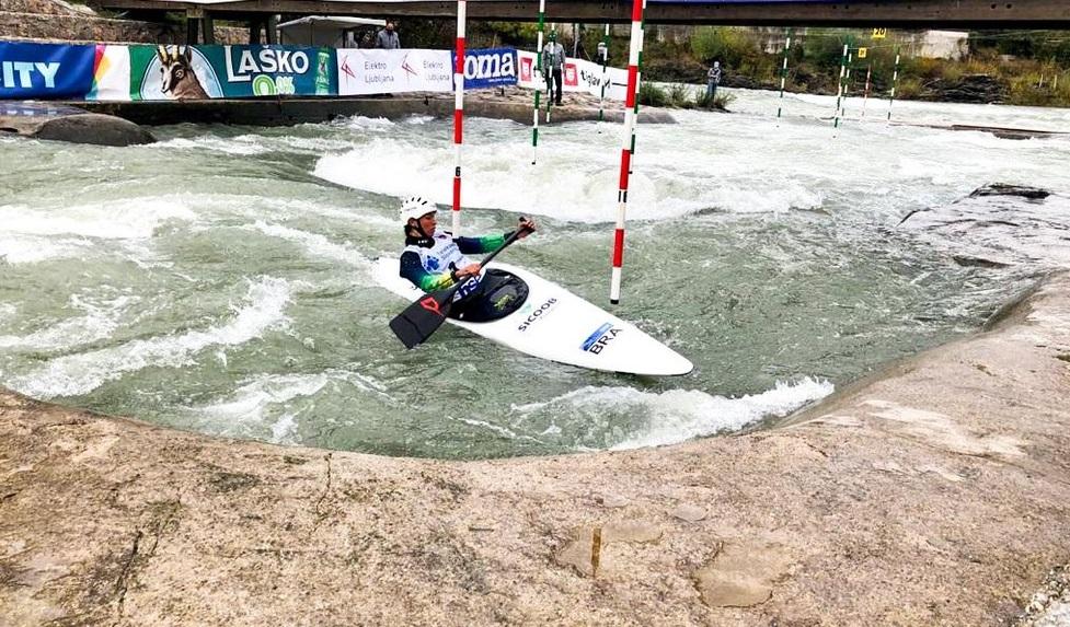 Ana Sátila ganhou o ouro na copa do mundo de canoagem