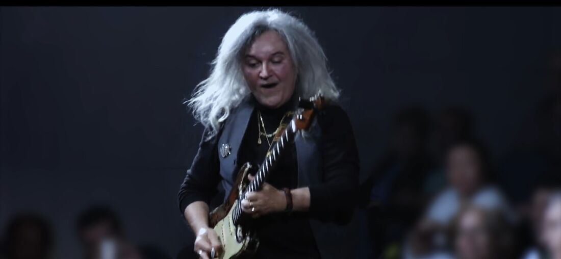 Robertinho de Recife tem carreira musical revisitada em série