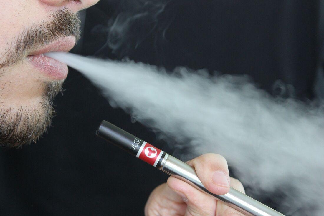Venda de cigarro eletrônico é proibida por Lei no Brasil
