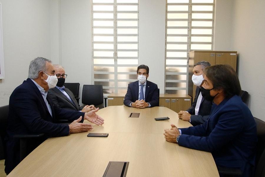Encontro do setor industrial pernambucano com representantes do governo