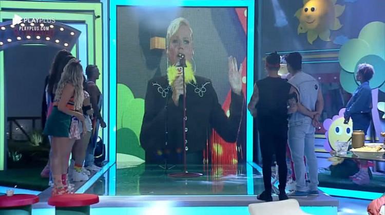 Xuxa participou remotamente da festa