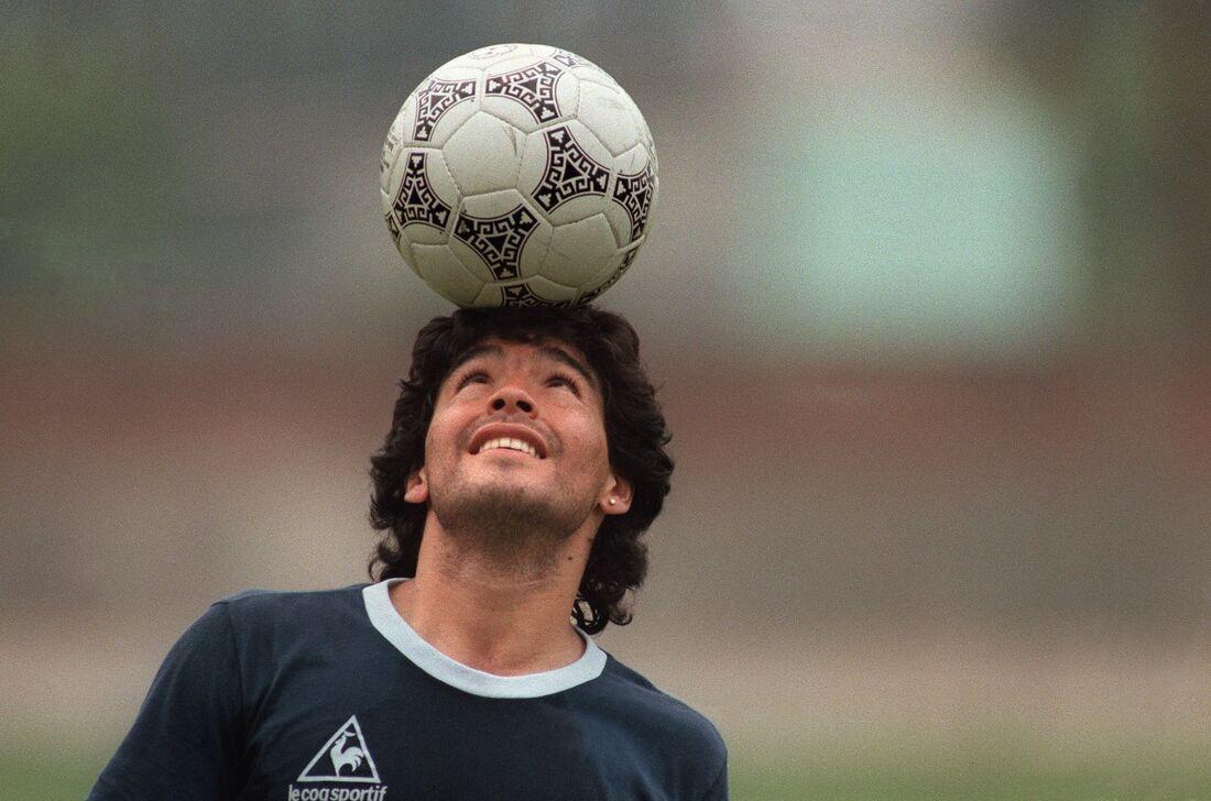 Maradona completa 60 anos de idade