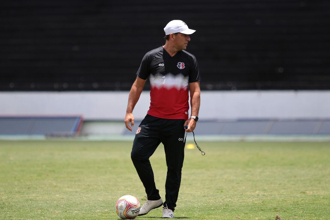 Marcelo Martelotte, técnico do Santa Cruz